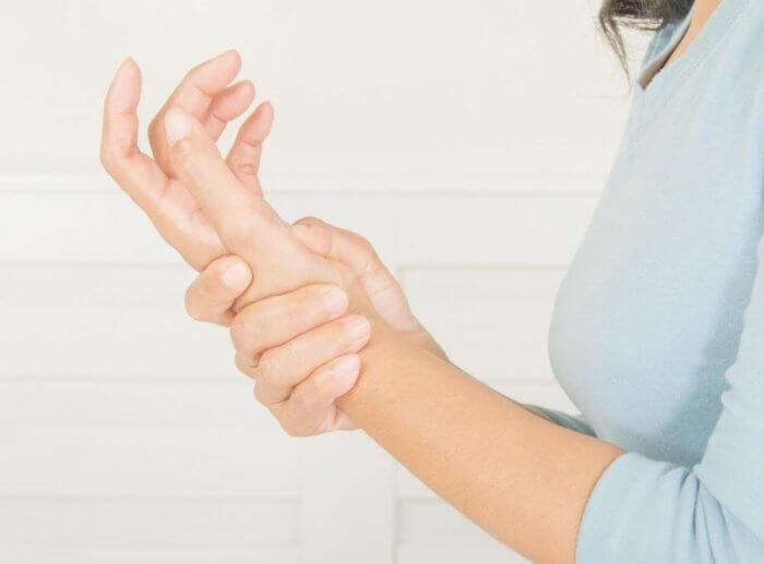 علاج قطع العصب في اليد